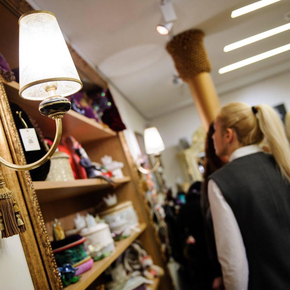 užuolaidos, romanetės ir kita namų tekstilė Jūsų namams. Kokybiški audiniai Jūsų interjerui!